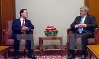 Алжир желает активизировать сотрудничество с Вьетнамом