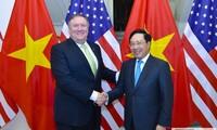 Фам Бинь Минь провел переговоры с госсекретарем США Майклом Помпео