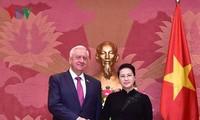 Нгуен Тхи Ким Нган приняла председателя Совета Республики Нацсобрания Беларуси Михаила Мясниковича