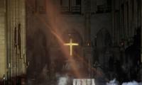 МВД Франции заявило о «взятии под контроль» пожара в соборе Парижской Богоматери