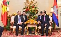 응웬 쑤안 푹 국무총리, 훈센 (Samdech Techo Hun Xen)캄보디아 총리 회담