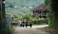 사진집: 따반 – 산 마을속의 거리
