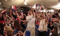 베트남에서 프랑스 팀 우승에 대한 열띤 축하 분위기