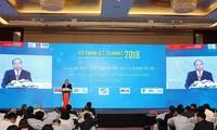 응웬쑤안푹  베트남 총리 : 전자 정부 구축은 지도자 역할과 긴밀해야