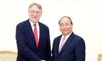 베트남 국무총리,  EVFTA  조기 서명 희망