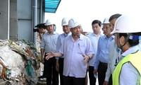 Nguyen Xuan Phuc 총리, Quang Binh 성 핵심지도자와 함께 회의