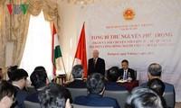Tổng Bí thư: Mỗi người Việt hãy là cầu nối cho mối quan hệ với Hungary