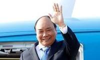 응웬쑤언푹 국무총리, 유엔 총회의 일반토의에 참여하러 하노이 떠나