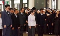 각국 및 각당 지도자들 , 도 므어이 전 서기장  조문 서신, 조전을 보내고, 조문단을 파견