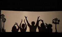 닌 빈 성, 많은 국제  인형극단  공연