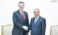Nguyễn Xuân Phúc  (응우옌 쑤언 푹) 국무총리, 미국 대사 접견