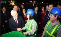 응우옌 푸 쫑 (Nguyễn Phú Trọng) 서기장-국가주석, 섣달 그믐 당직 단위를 만나 새해 덕담 전달
