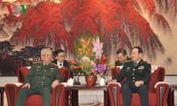 응우엔 치 빈 베트남 국방부 차관, 웨이펑허 중국 국방부 장관 회담