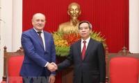베트남 응우옌 반 빈 (Nguyễn Văn Bình) 중앙 경제위원회 위원장, 러시아 가스프롬 (Gazprom) 그룹 대표단 접견