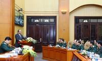 응우옌 쑤언 푹 총리, 국방과 경제발전은 함께 간다는 정신고취 강조