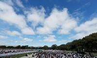"""뉴질랜드 참사현장 2만명 모여 추모…아던 총리 """"우리는 하나"""""""
