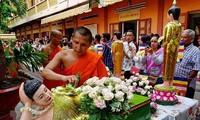 응우옌 쑤언 푹 총리, 크메르 전통설날에 대한 축전 전달