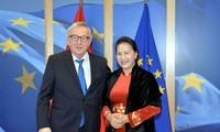 응우옌 티 낌 응언 국회의장, 장 클로드 융커(Jean-Claude Juncker) 유럽연합 집행위원장과 회의