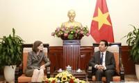 베트남 – 캐나다 전략적인 상대관계 촉진