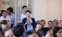응우옌 티 낌 응언 국회의장, 베트남 껀터시 퐁띠엔현 유권자들 만나