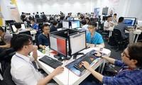 """베트남 기술기업 슬로건, """"베트남에서의 창조와 디자인을 통해 생산과 기술에서 주도적 역할"""""""