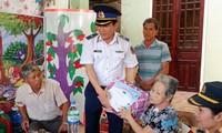 Cảnh sát biển Việt Nam đồng hành cùng ngư dân