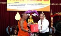 Phó Thủ tướng Thường trực Chính phủ Trương Hòa Bình đến thăm, chúc Tết đồng bào Khmer