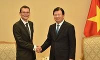 Khuyến khích mở rộng hợp tác trong lĩnh vực hàng không giữa Việt Nam và Pháp