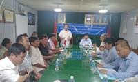 Đoàn công tác liên ngành đi thăm và tặng quà cho bà con gốc Việt tại tỉnh Kampong Chhnang, Campuchia
