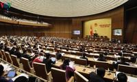 Quốc hội thảo luận nhiều dự án luật quan trọng trong tuần làm việc thứ 2