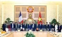 Thủ tướng Nguyễn Xuân Phúc: Việt Nam xác định việc xây dựng chính phủ điện tử là chiến lược quan trọng để phục vụ nhân dân