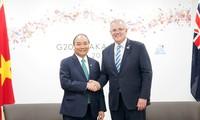 Thủ tướng Nguyễn Xuân Phúc thảo luận giải pháp tăng cường hợp tác song phương với với lãnh đạo các nước dự G20