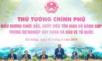 Thủ tướng Chính phủ Nguyễn Xuân Phúc gặp mặt, biểu dương chức sắc, chức việc tôn giáo có đóng góp tiêu biểu