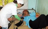 Menggelarkan  proyek dokter muda bekerja di  62 kabupaten yang sulit