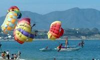 Program memperingati ultah ke-10  Festival Nha Trang.