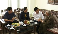 Presiden Vietnam, Truong Tan Sang mengunjungi beberapa keluarga mantan prajurit Dien Bien