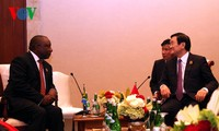 Президент СРВ Чыонг Тан Шанг провёл двусторонние встречи на полях саммита стран Азии и Африки