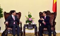Премьер Вьетнама принял замминистра стратегии и финансов Южной Кореи