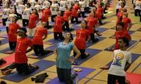 Во Вьетнаме отмечают Международный день йоги
