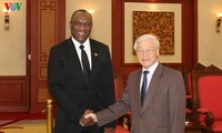 Генсекретарь ЦК КПВ принял председателя Сената Республики Гаити