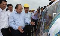 Нгуен Суан Фук провёл осмотр в международном порту Каймеп