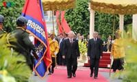 Генсек ЦК КПВ Нгуен Фу Чонг завершил государственный визит в Камбоджу