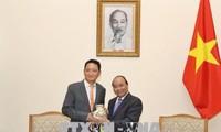 Нгуен Суан Фук принял нового посла Республики Корея во Вьетнаме
