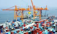 Премьер Вьетнама потребовал предпринять меры по развитию производства и увеличению экспорта