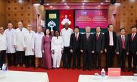 Делегация партии и правительства Кубы посетила больницу вьетнамо-кубинской дружбы в г.Донгхой