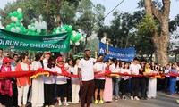 Тысячи людей приняли участие в благотворительном марафоне ради ханойских детей