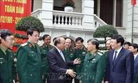 Премьер Вьетнама провёл рабочую встречу с редакцией газеты «Куандой Нянзан»