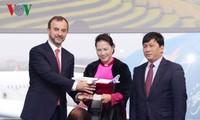 Нгуен Тхи Ким Нган приняла участие в церемониях передачи самолёта и открытия офиса FPT в Тулузе