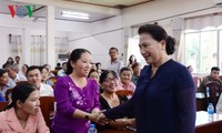 Спикер парламента Вьетнама встретилась с избирателями района Кайранг города Кантхо
