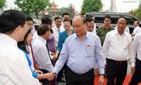Премьер Вьетнама встретился с избирателями города Хайфона